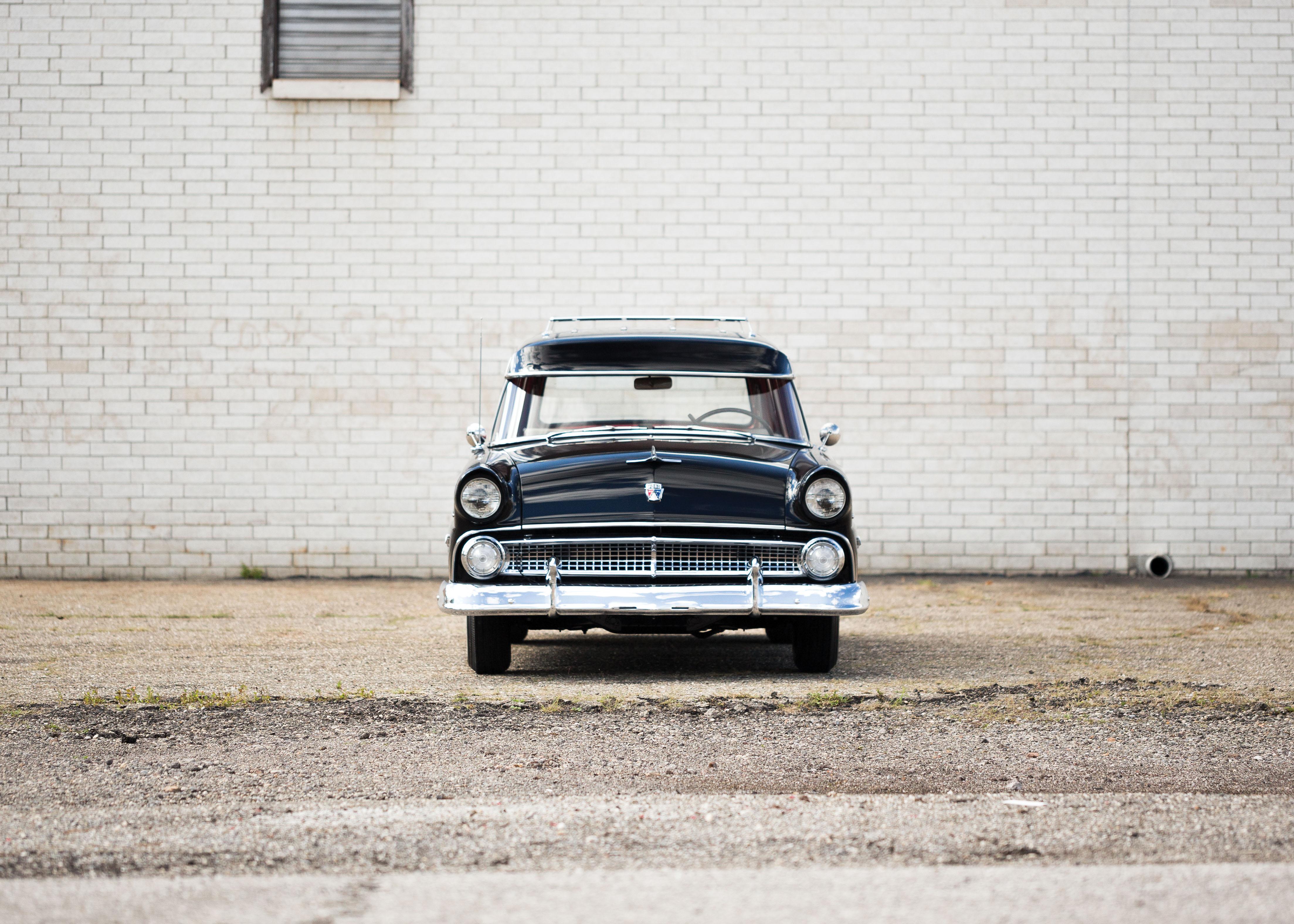 1955 Ford Country Sedan Wagon_Credit Drew Shipley © 2015 Auctions America